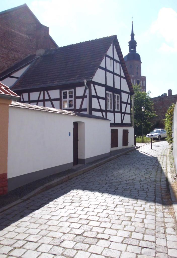 Giebel und Hofmauer 2013