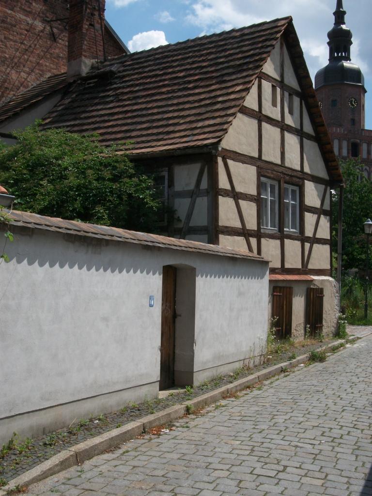 Giebel und Hofmauer 2011